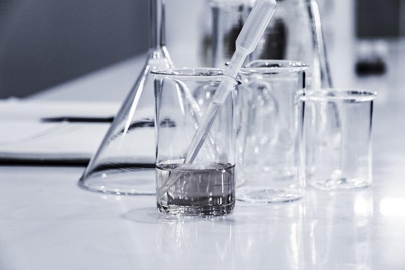 研究の実験用ガラス器具