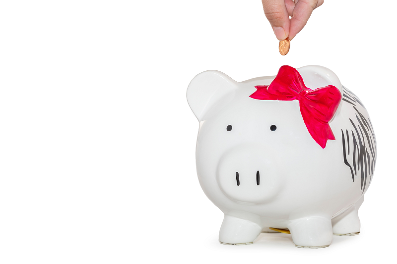 投資信託の積立をイメージした豚の貯金箱