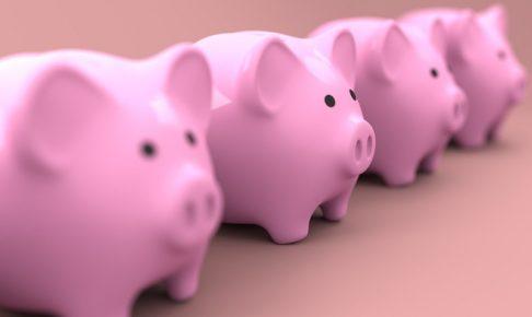 4つの豚の貯金箱