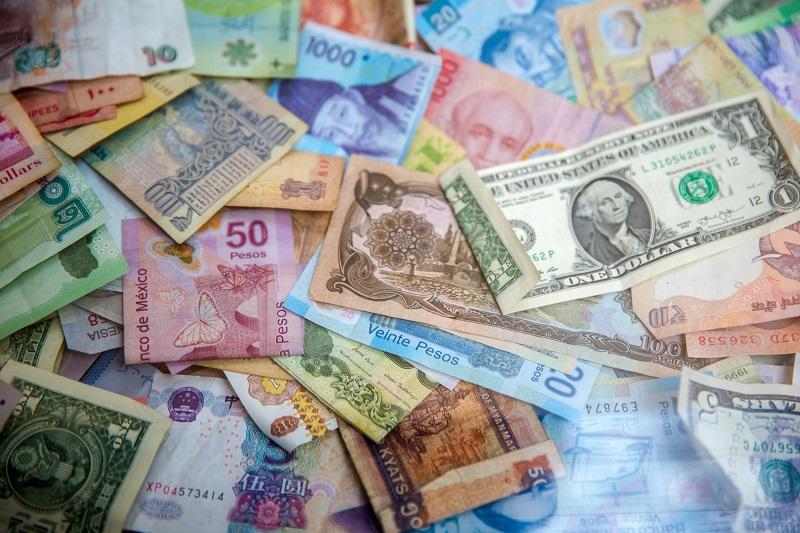 色々な外貨がばらまかれている