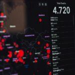 コロナウイルスが広がる様子を見せる世界地図